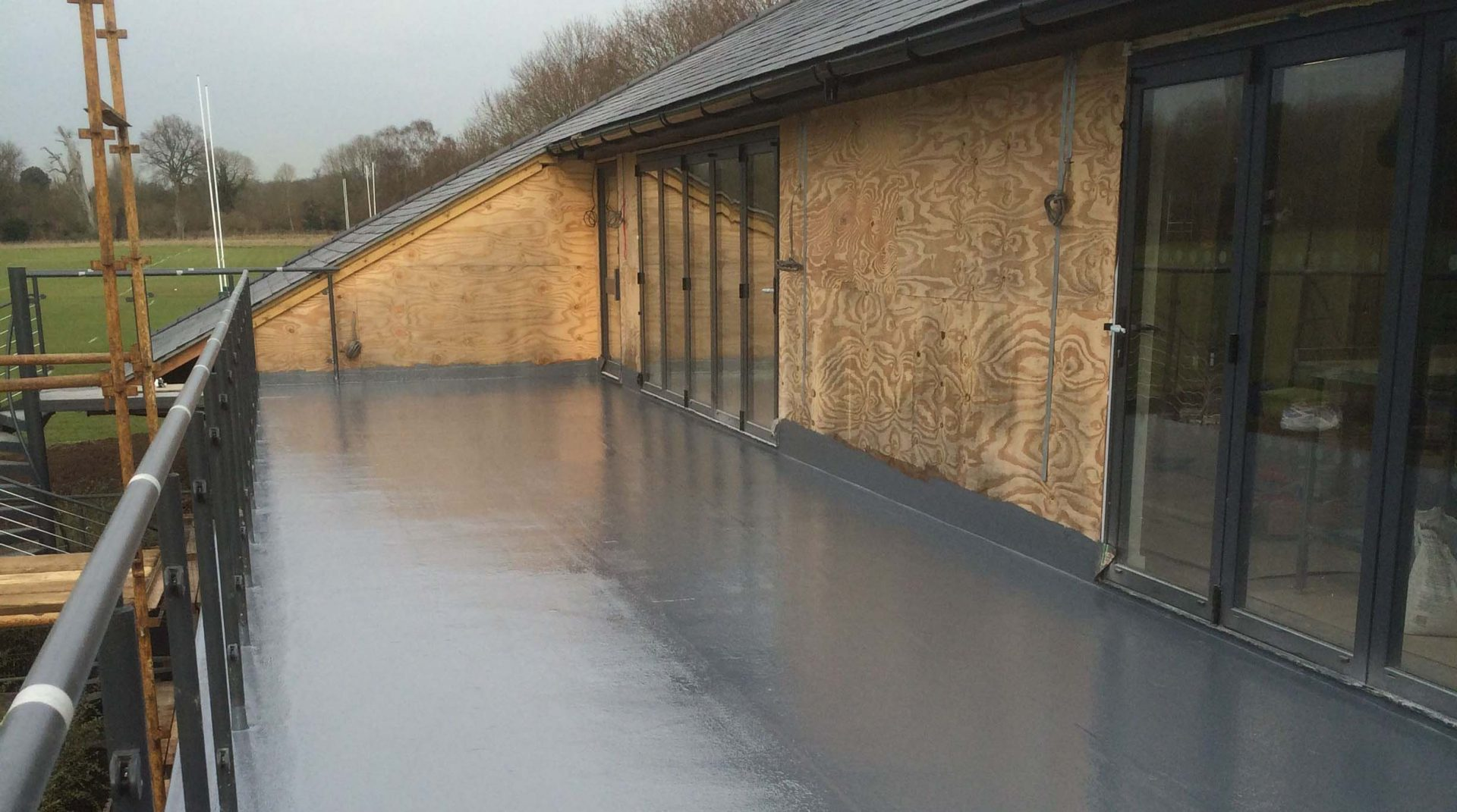 Does-Your-Flat-Roof-Need-Repair-or-are-You-Building-a-Flat-Roof-Extension
